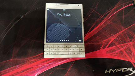 Телефон Blackberry Passport объявление продам