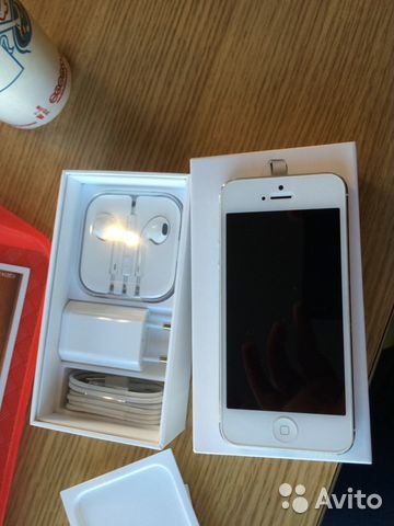 Продаю iphone 5 32GB (белый)