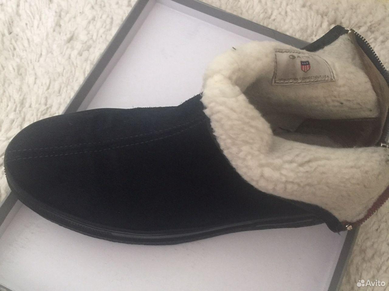 Продаю замшевые ботинки