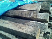 Старые дубовые доски и балки